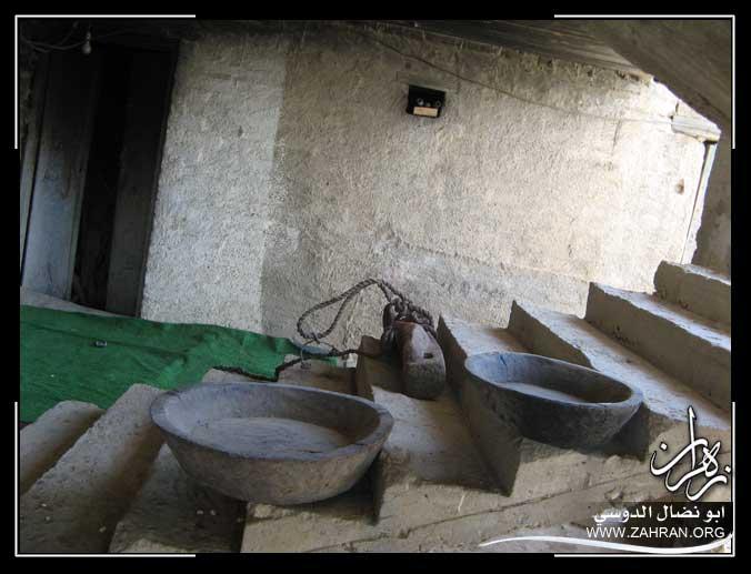 صور ادوات كانت تستعمل في الماضي .. الادوات التراث القديمة IMG_2896.jpg